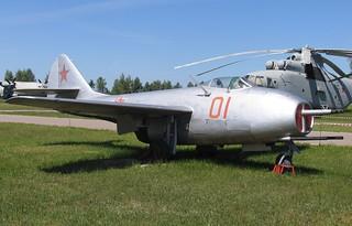 MiG-9_VVS_museum