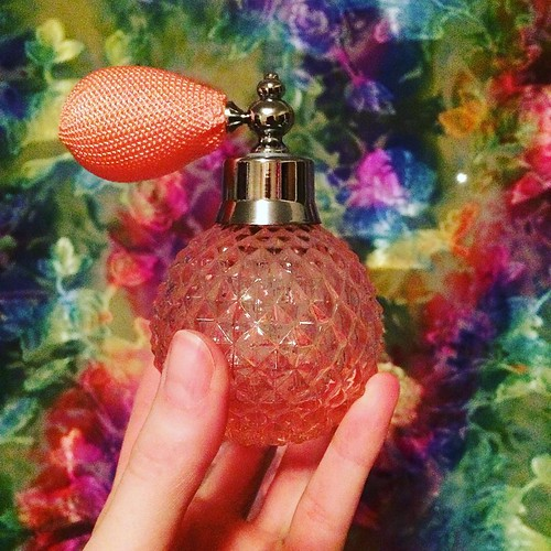 I always wanted one of these guys. I filled it with Pacifica's mango grapefruit perfume, mmm.