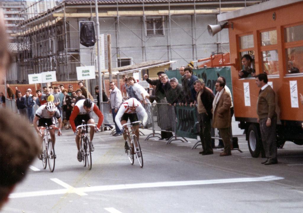 vittoria allo sprint di Riccio Luigi nella due giorni di Chiasso 1988 - secondo Marco Groppo, terzo Massimo Maffi del Mendrisio