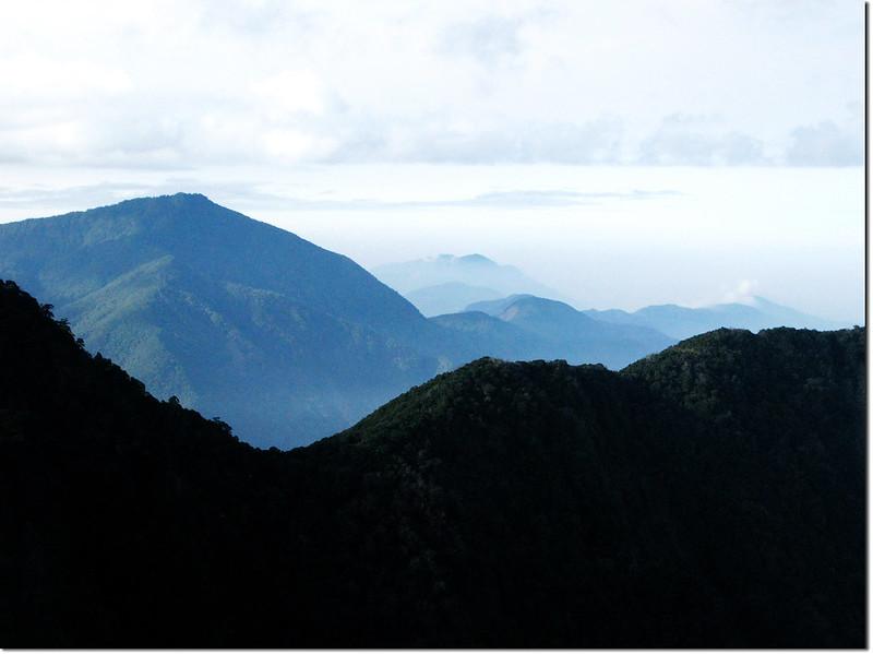 斯拉巴庫山頂南眺溪南山、藤枝方向 1
