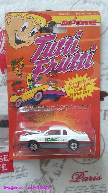 N°217 - Ford Thunderbird  25987139144_cc37bc2422_z