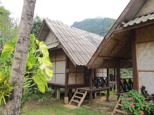 Nong Khiaw: notre cahute en bambou et sur pilotis