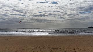 Plage görüntü. voyage travel panorama holiday beach weather landscape iso100 vacances sony morocco maroc dxo plage essaouira vacance meteo 2016 citytrip editedphoto 48mm focallength48mm epz1650mmf3556oss focallengthin35mmformat48mm ilce6000 sonyilce6000 sonyilce6000epz1650mmf3556oss createdbydxo