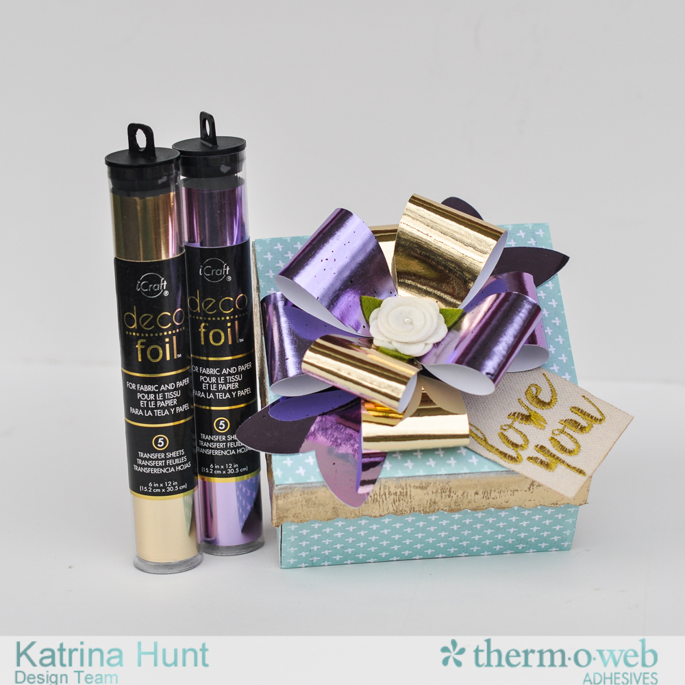 Gift_Box_Therm_O_Web_DecoFoil_Katrina_Hunt_1000Signed-1