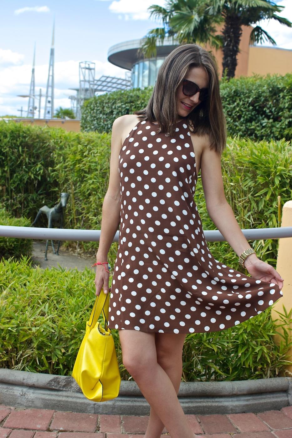 lara-vazquez-madlula-style-streetstyle-look-ootd-fashion-dots-dress
