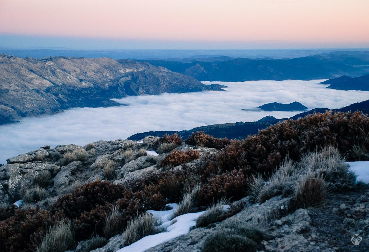 El Tranco con nieblas