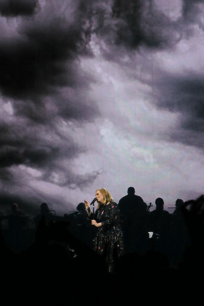 Adele-Live-2016-London-O2-002