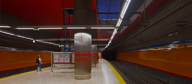 metro Almendrales, Madrid (2016)