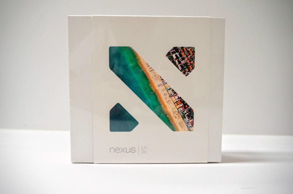 包裝很簡單,就只有左下角有個nexus 5x字樣