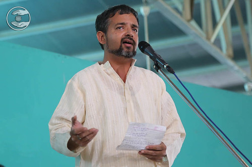 Poem by Vivek Rafiq from Sant Nirankari Colony, Delhi