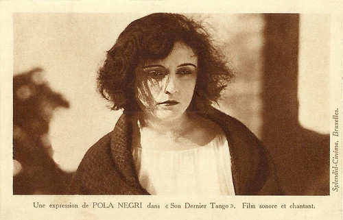 Pola Negri in The Way of Lost Souls (Son dernier tango)
