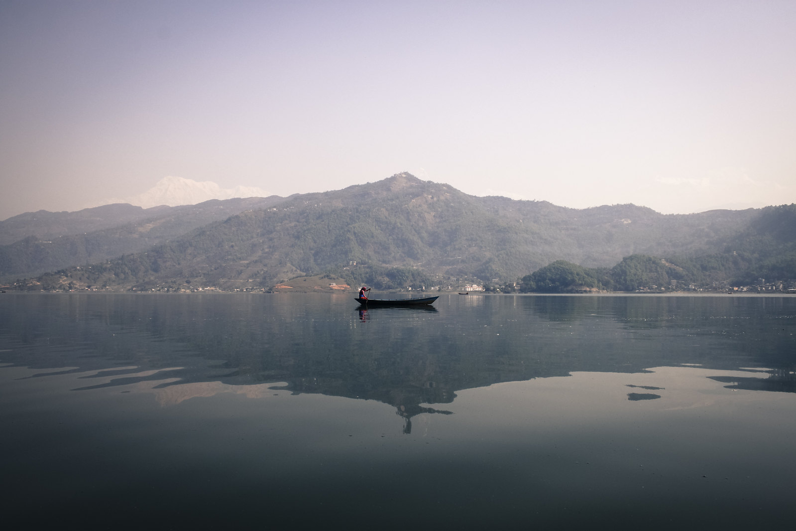 phewa lake, phewa tal, pokhara, annapurna