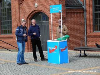 2016.04.23 Brandenburg an der Havel Infotisch der AfD (2)