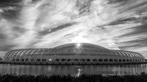 sky usa cloud lake building window water glass wall landscape cityscape florida cloudy calm lakeland centralflorida buildingandarchitecture em5markiihighres ©edrosack
