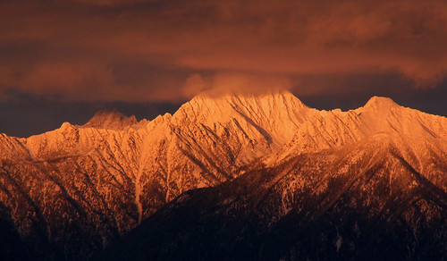 winter sunset sky cloud sunlight mountain snow rockies evening britishcolumbia beautifullight rockymountains cranbrook alpenglow eveninglight eastkootenay fisherpeak hughesrange