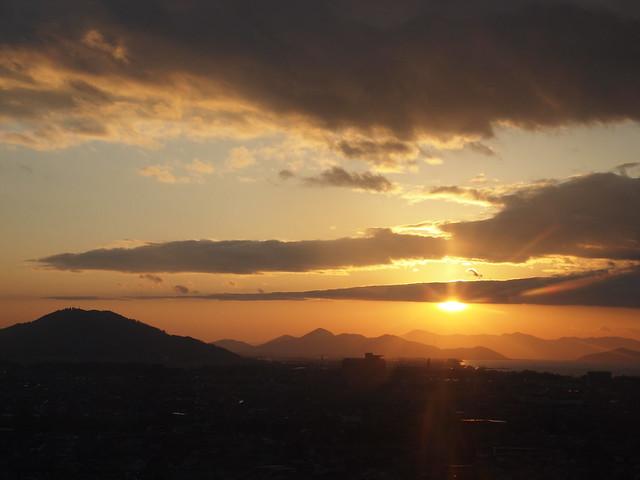 彦根城から見た夕陽