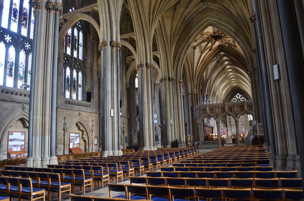 > Nef de la Cathédrâle de Bristol.