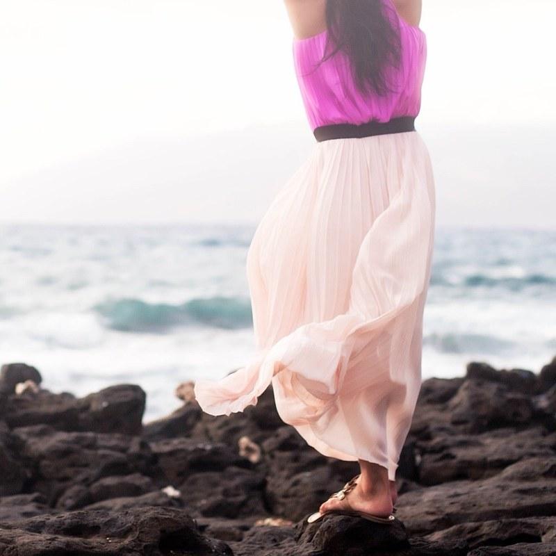 cute & little blog | petite fashion | pink pleated maxi skirt, tory burch miller sandals | beach outfit