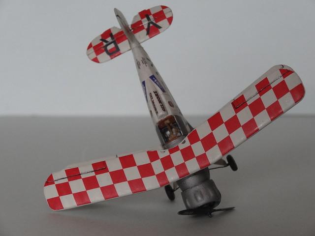 Bucker Bu-133B 1/72e Base Heller 25545898123_d10f73c185_z
