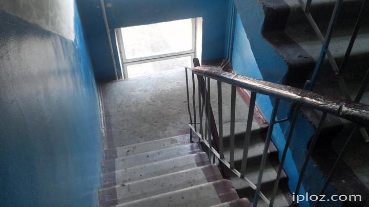 Вікна у чверті лозівських багатоповерхівок можуть являти небезпеку