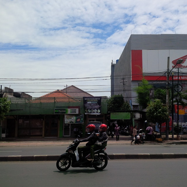 Dijual rumah sangat strategis dengan 2 lantai di Jl Dewi Sartika, Cawang, Jakarta Timur
