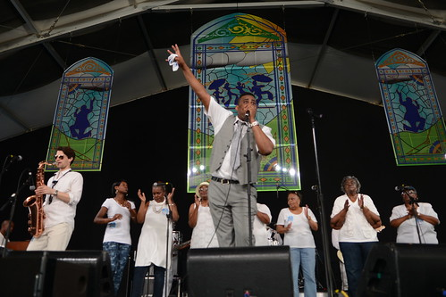 Glen David Andrews in the Gospel Tent, photo by Leon Morris