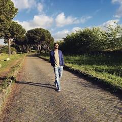 Sarò sincero odio camminare.. Infatti andavo alla macchina! #rome #viaappiaantica #walking #sunset #instagood #me #follow #photooftheday #tbt #followme #happy #picoftheday #instadaily #swag #amazing #TFLers #igers #fun #instalike #bestoftheday #smile #lik