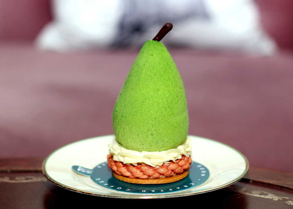 Bangkok Dessert: Patisserie Rosie Pear and Blackcurrent