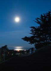 Moon Set Pacifica 2-2016
