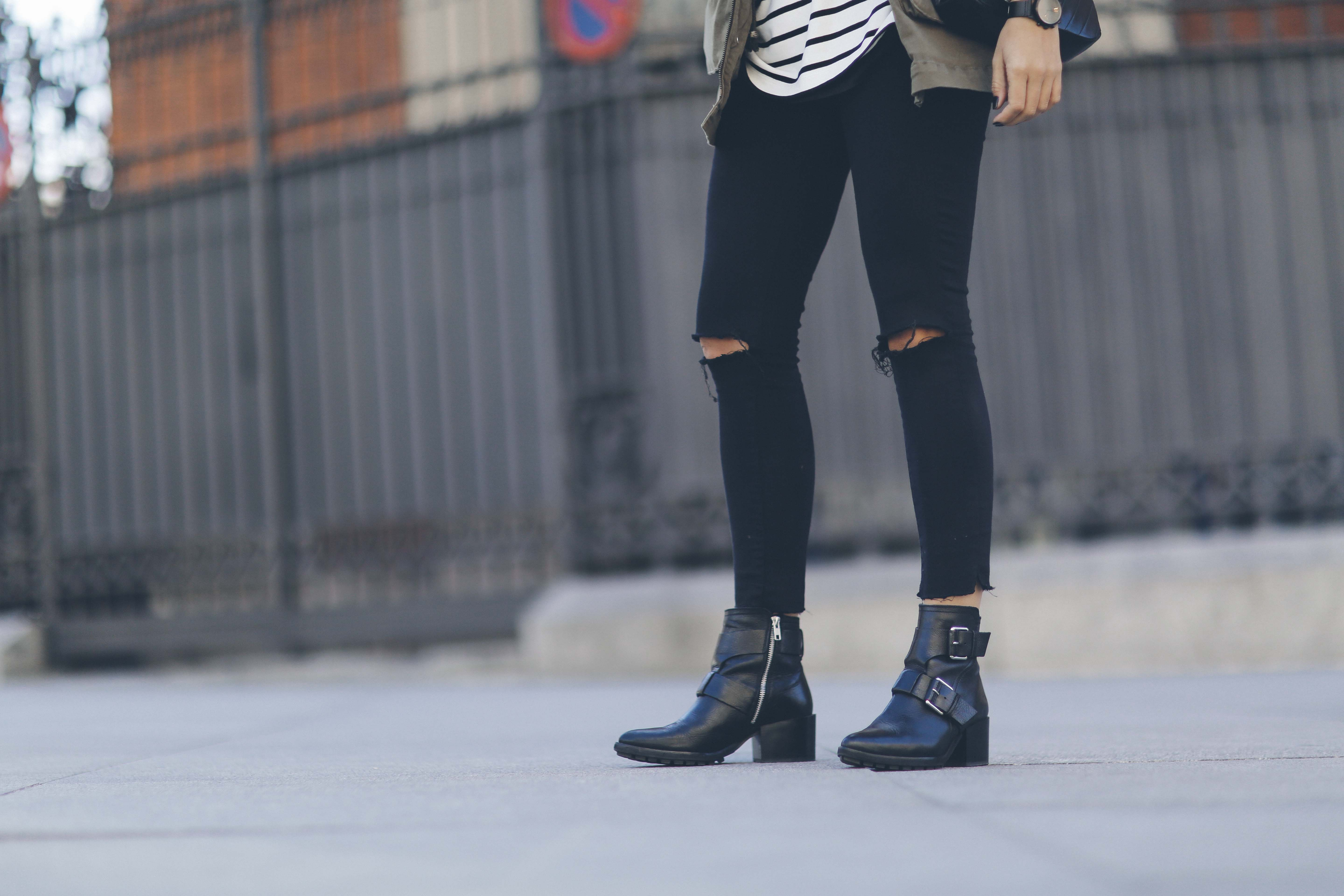 look-outfit-parka-jeans-rayas-zara-chanel-botas-anine_bing-spring-primavera_7
