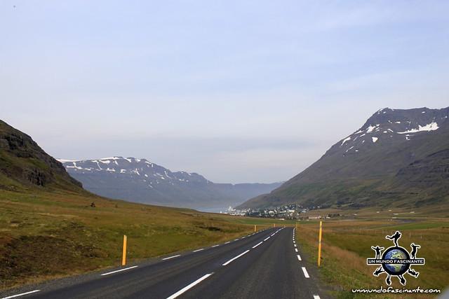 Carretera asfaltada - ISLANDIA
