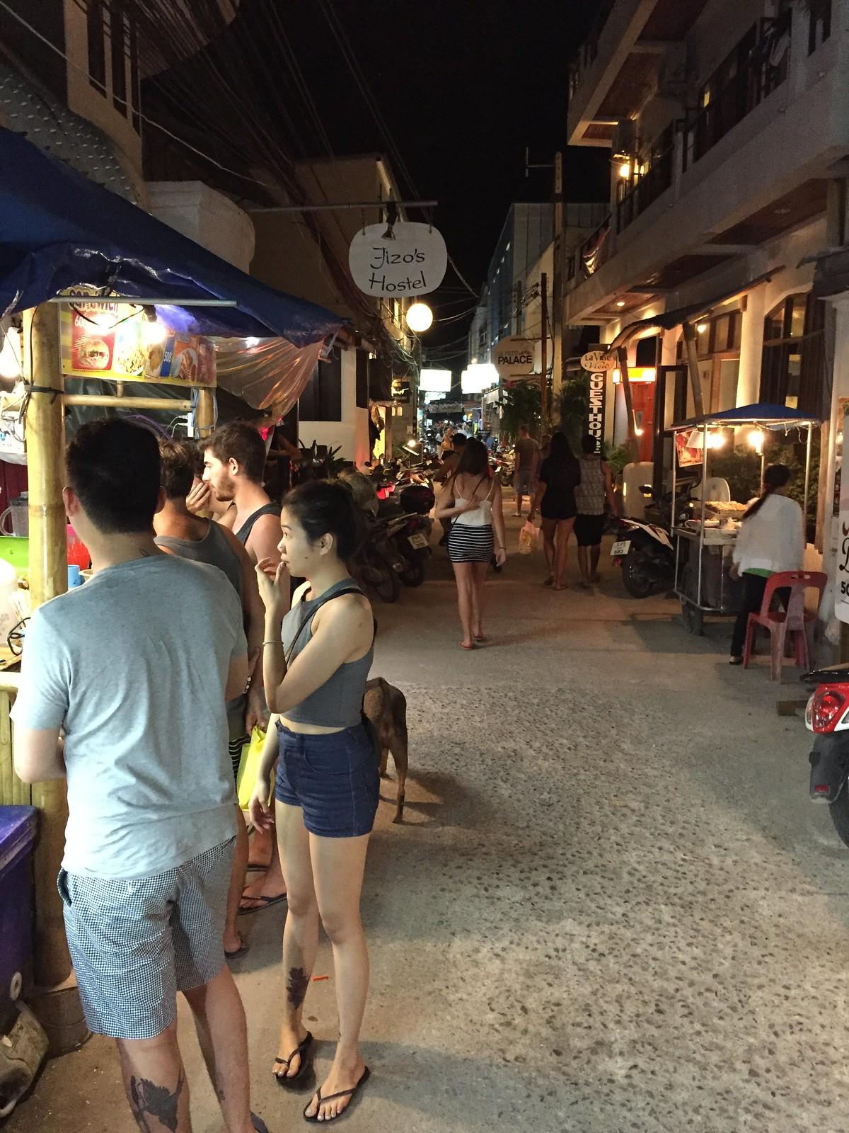 Sairee Beach stalls 3