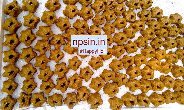 उत्तर भारत में, होली तीन दिनों तक मनाए जाने वाला त्यौहार है, जिसे रंगों का त्यौहार के नाम से भी प्रसिद्ध है।
