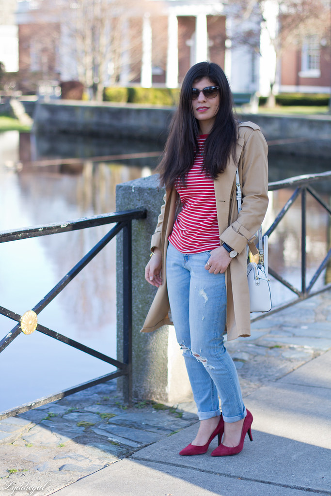 red striped tee, trench coat, boyfriend jeans, red pumps-1.jpg