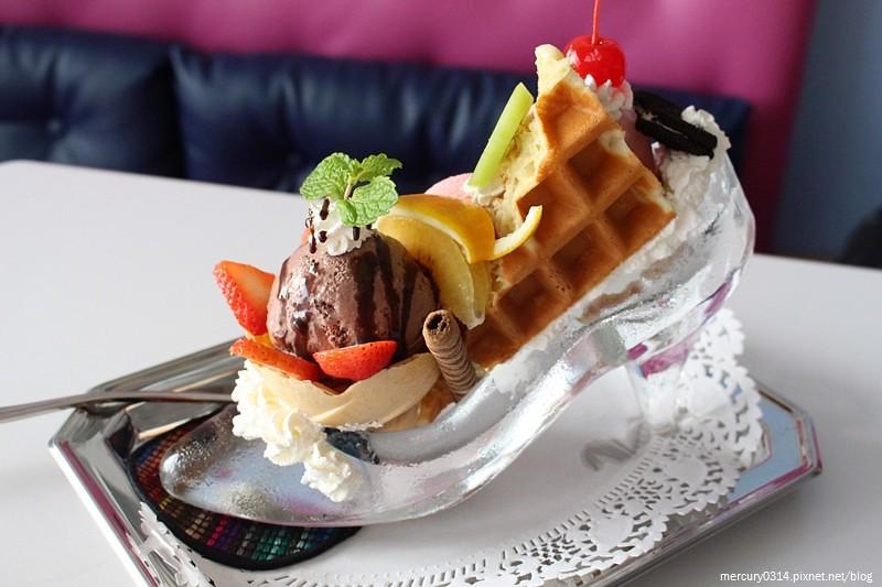 24078679942 a5c3ca2a98 b - 台中西屯 Rainbow Waffle Cafe 彩虹國度-咖哩&焗烤專賣店
