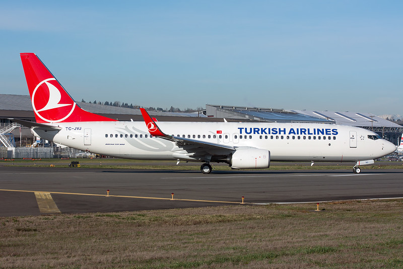 Turkish Airlines Boeing 737-800 TC-JVJ