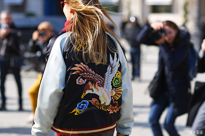 Bomber jacket street style outfit fashion13