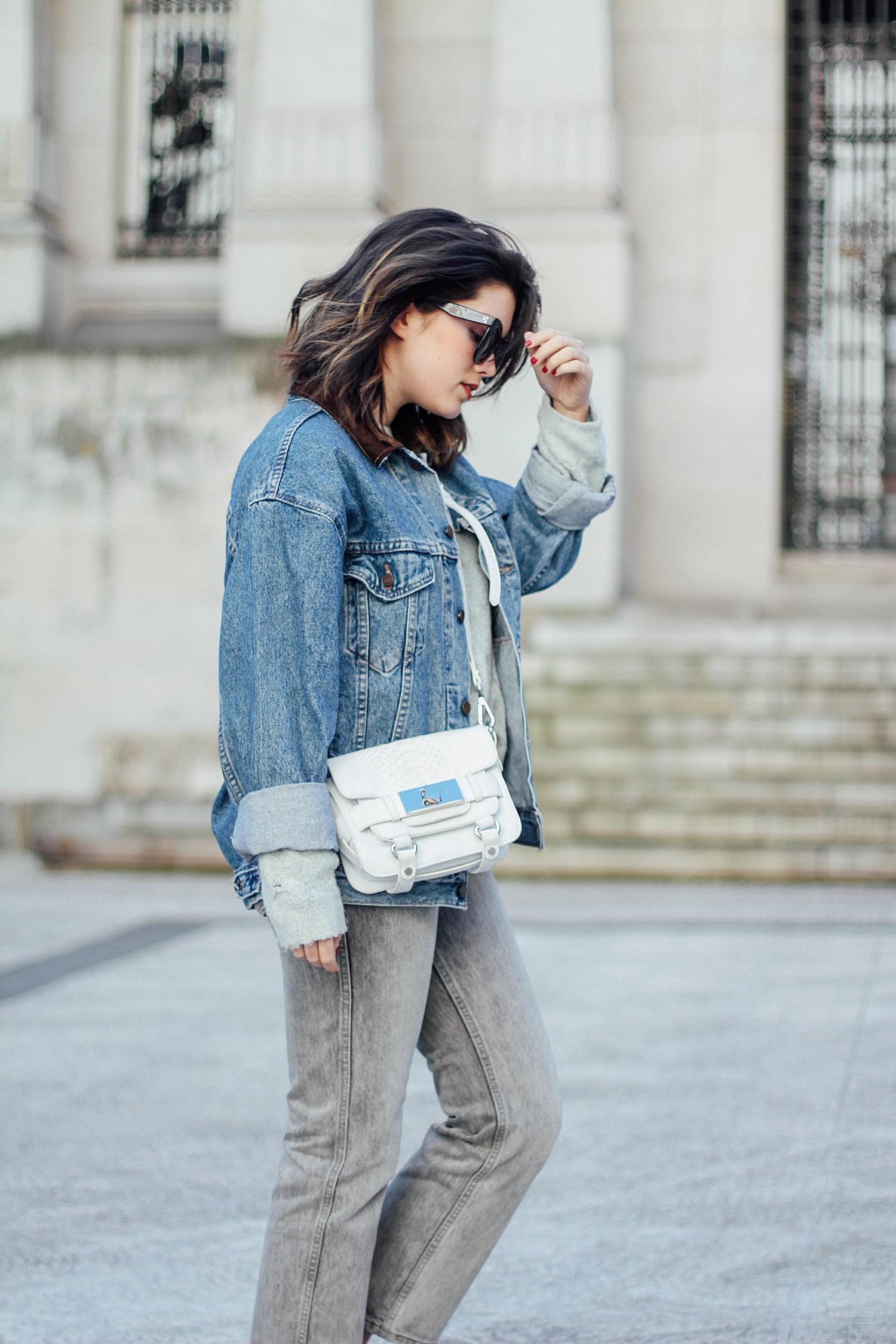 levi's denim jacket vintage_mom jeans_gucci loafers_celine sunglasses_baby marta_streetstyle_myblueberrynightsblog
