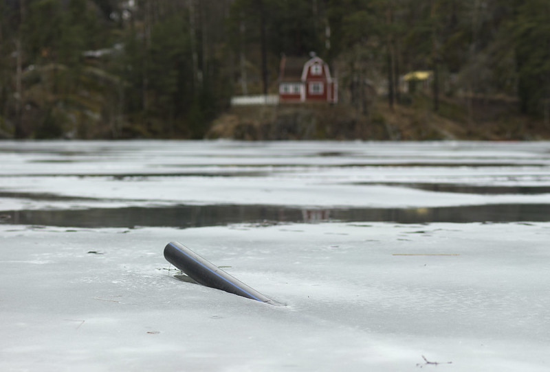 Pipeline stuck in the ice