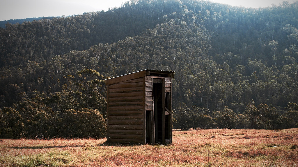 Strange Here Tis Glen Valley Easter 2016 An Outback Outhouse Wi Download Free Architecture Designs Itiscsunscenecom