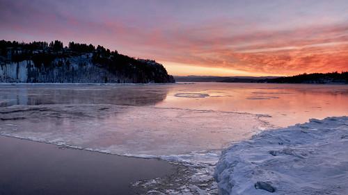 canada sunrise eau quebec fjord paysage vague plage saguenay leverdesoleil rivage littoral