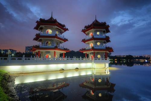 park light lake color grass clouds reflections garden landscape pagoda singapore asia mud cloudy dusk vibrant chinese dirt lamps chinesegarden southeast vignette hdr pagodas jurongeast juronglake juronggardens thepagodatwins
