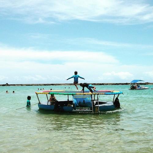 o que você prefere, mar de bolinha ou pula-pula no mar? #Alagoas #nature #fun #like #love #praia #natureza #instagood