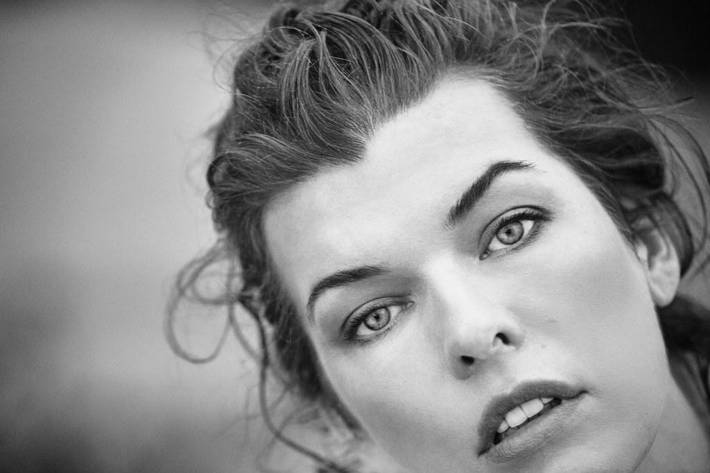 Милла Йовович — Фотосессия для «Harper's Bazaar» ES 2016 – 1