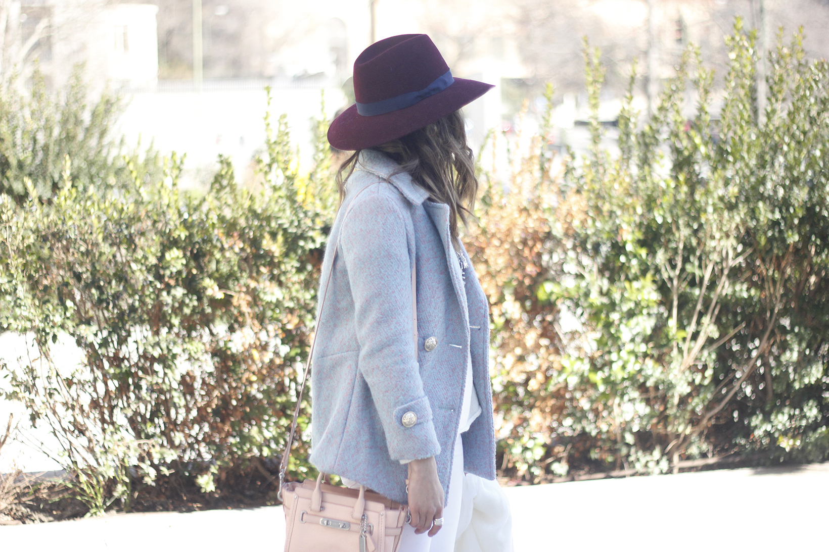 Blue Coat White outfit burgundy hat pink bag coach accessories style08