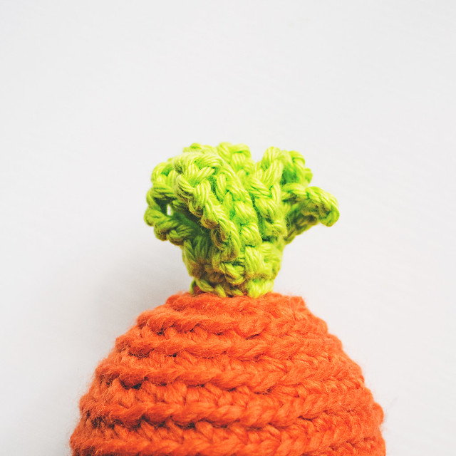 crochet carrot egg top