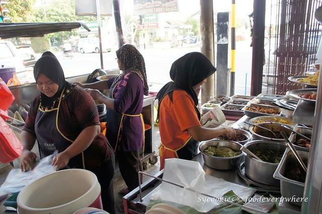 6.Nasi Lemak Ujong Pasir (Melaka)