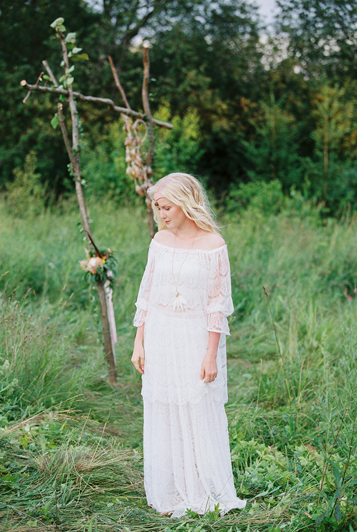 Off the shoulder bell sleeves wedding dress for Bohemian wedding inspiration shoot in the countryside with a dose of vibrancy | photo by Igor Kovchegin | Fab Mood - UK wedding blog #bohemian