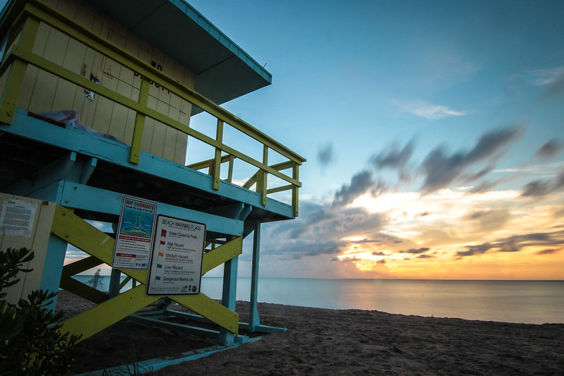 wonderblue_miami_beach_florida_sunset_baywatch