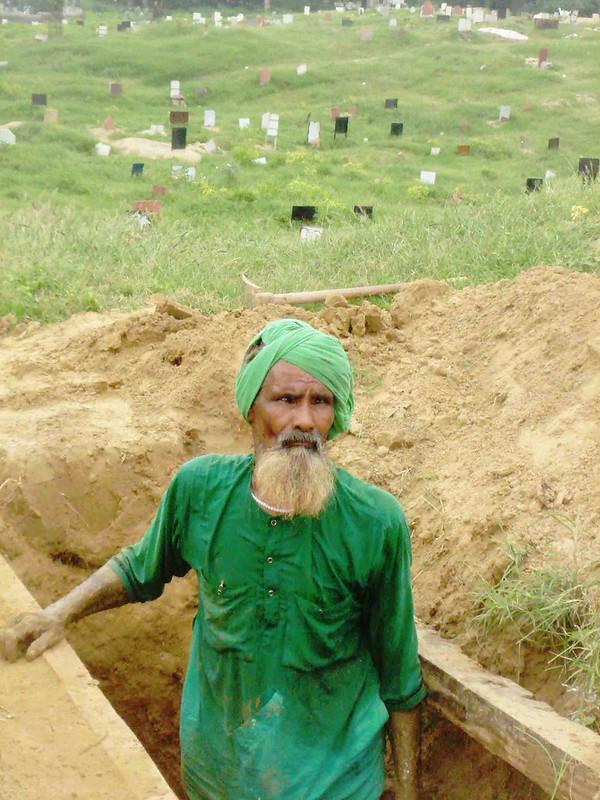 City Notice - Gravedigger Allah Hu is Dead, Batla House Graveyard